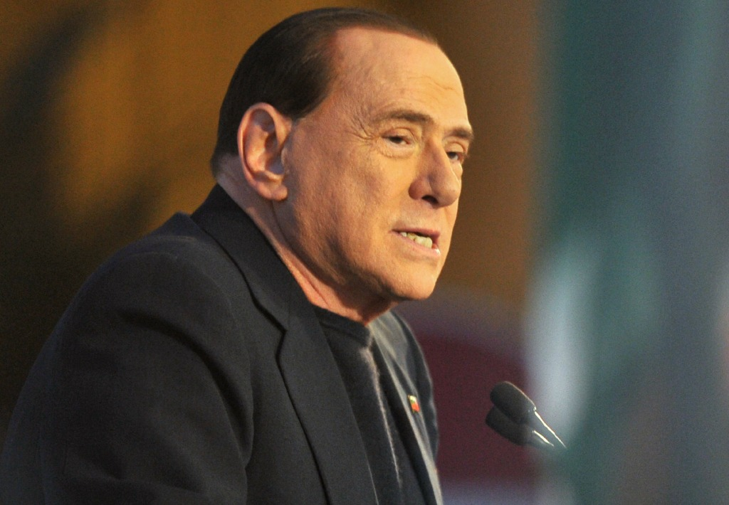 Milan, Berlusconi frena:
