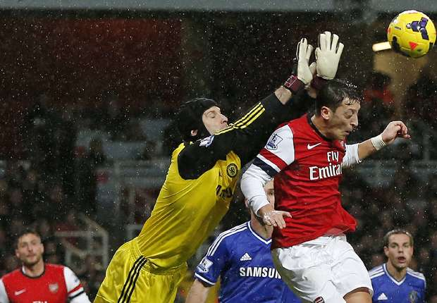 Cech not scared of Courtois competition