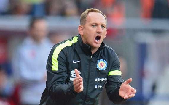Torsten Lieberknecht muss mit seiner Mannschaft kämpfen