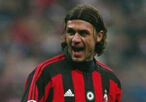 PAOLO MALDINI (1984-2009, 902 penampilan & 33 gol)