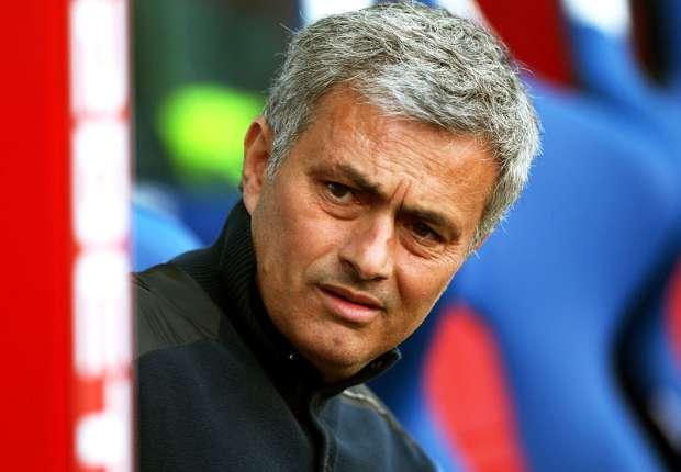 Chelsea boss Mourinho derides 'philosopher' critics