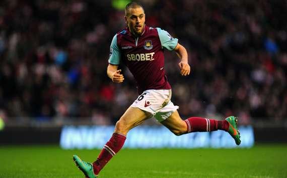 Die Farben bleiben, das Wappen ändert sich: Joe Cole wechselt zu Aston Villa
