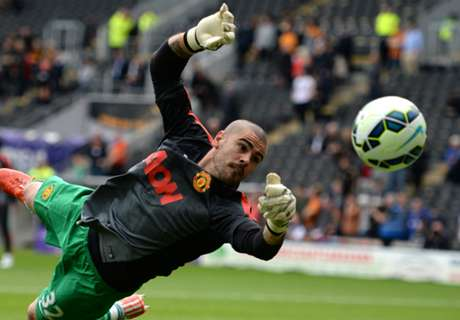 'Valdes wants Man Utd stay' - agent