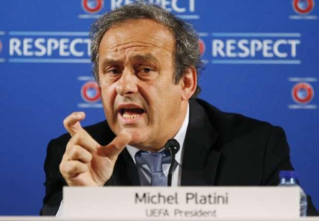 Strafmilderung: Michel Platini gibt dem Bitten der Spielergewerkschaft nach