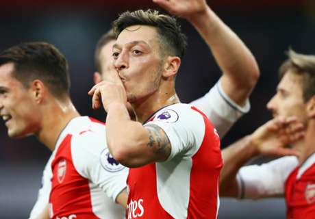 'London is red!' - Ozil's selfie celebration