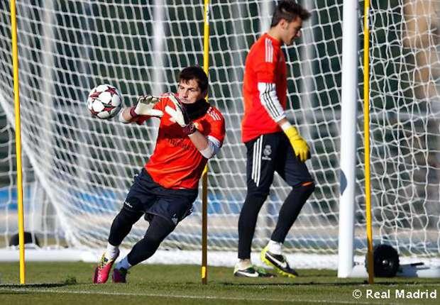 Iker Casillas staat in de basis tegen FC Barcelona
