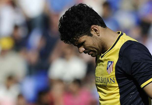 Diego Costa limps off in Barca-Atletico decider