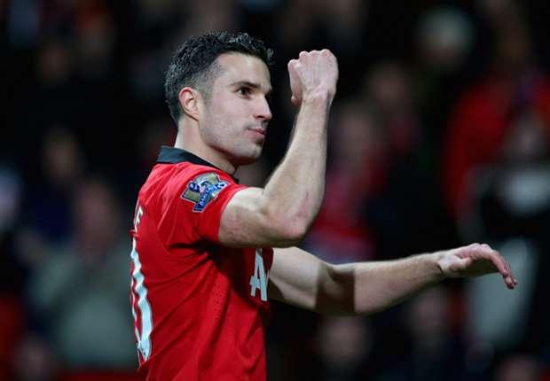 Van Persie hands Manchester United fitness boost