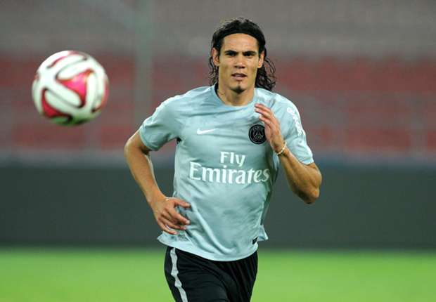 Cavani expects emotional return to Napoli