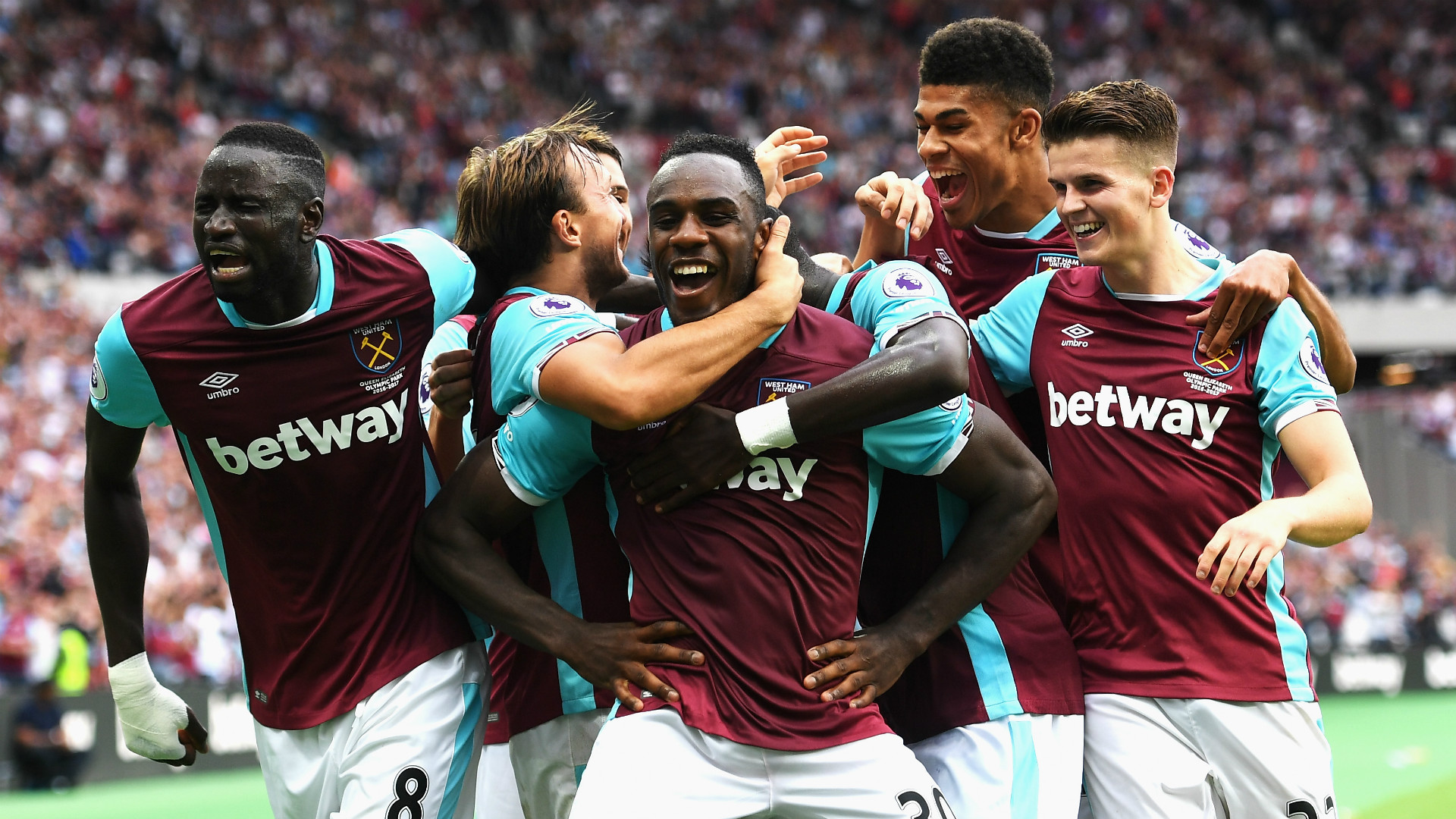 West Ham win first game at London Stadium