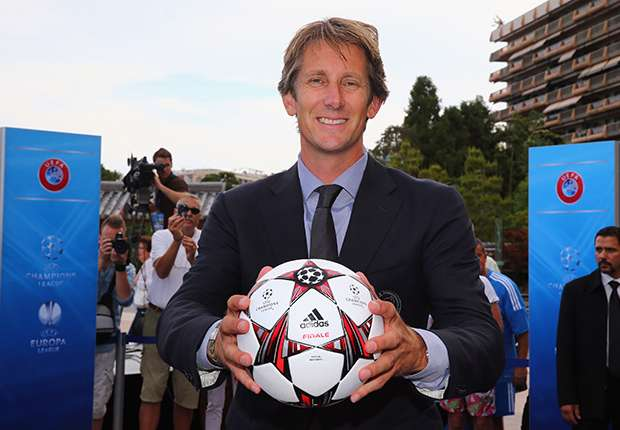 Van der Sar: Manchester United can go one better than Liverpool