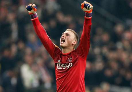 Barca wise to look to Cillessen