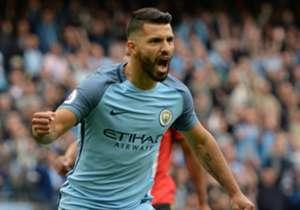 1) Manchester City 2-1 Sunderland | Premier League | 13/08/2016 | Apenas 4 minutos le llevó al Kun marcar su primer gol en el debut del City en la temporada de la Premier League.