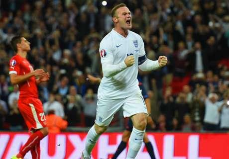 Charlton: Rooney will go on scoring