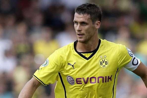 Kehl stands down as Borussia Dortmund captain