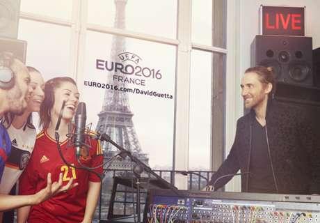 Satu Juta Fans Bernyanyi Bersama Guetta!