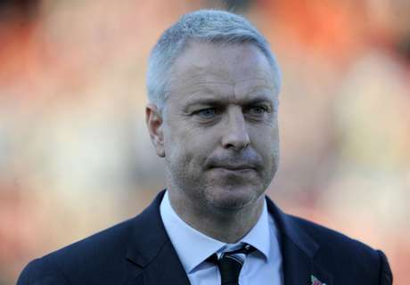 Symons sacked as Fulham boss