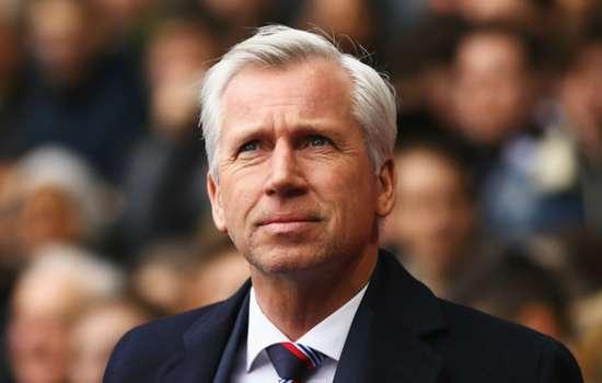 Pardew will not pick under-strength team for Man Utd clash