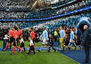 맨체스터 시티(맨시티)와 레알 마드리드가 UEFA 챔피언스 리그 4강 1차전에서 0:0 무승부를 기록했다. 치열한 공방이 이어졌지만 두 팀 모두 결정적인 기회를 많이 만들지는 못 했다.