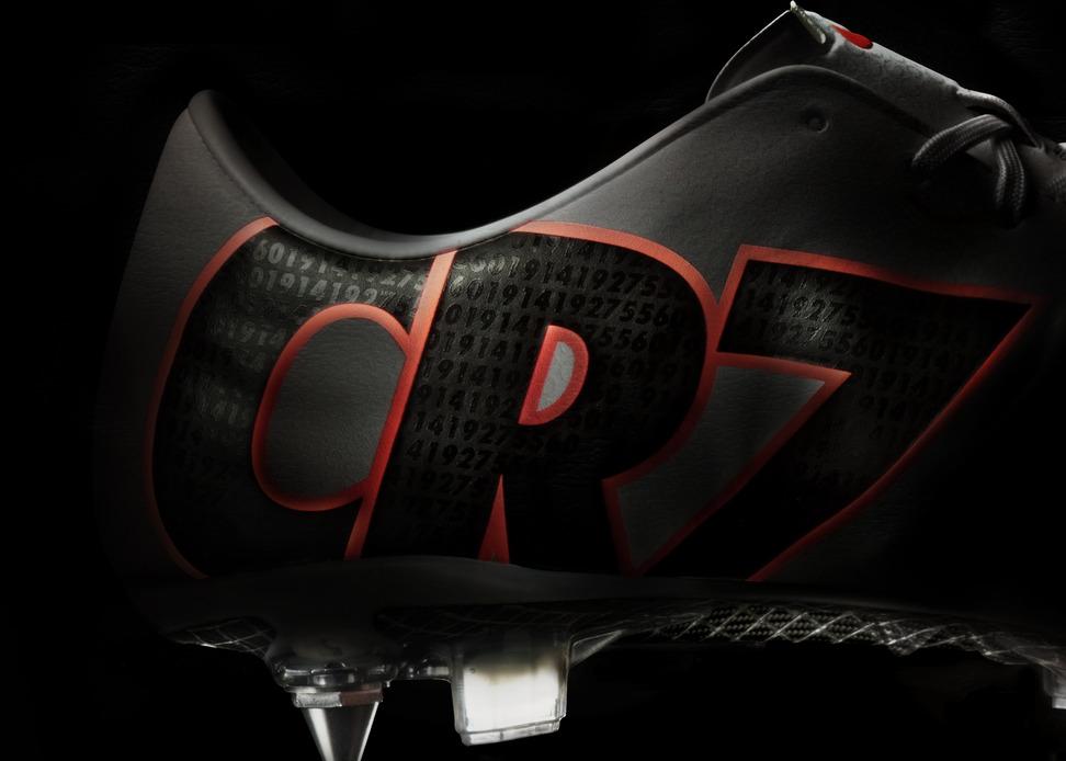 Cristiano Ronaldo boots CR MERCURIAL IX made by Nike