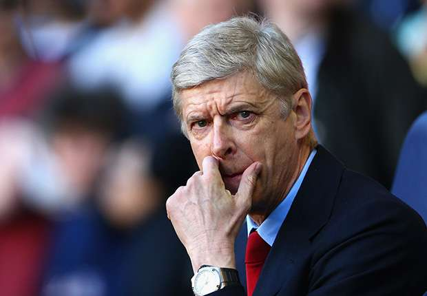 Wenger: I'm staying at Arsenal and so should Sagna