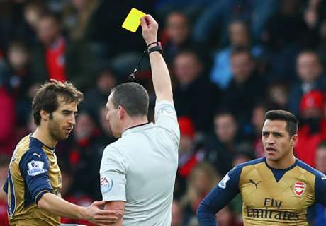 Howe: Flamini should have seen red