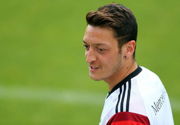 Ozil: Germany want to win World Cup for Low