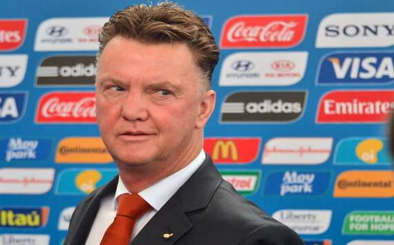 'Only Van Persie and Robben are sure of World Cup spots' - Van Gaal