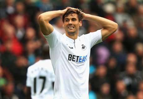 Swansea planning Llorente stay
