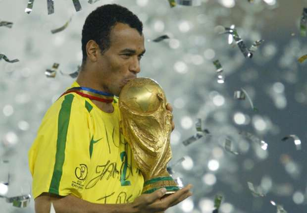 Brazil boot Cafu out of dressing room