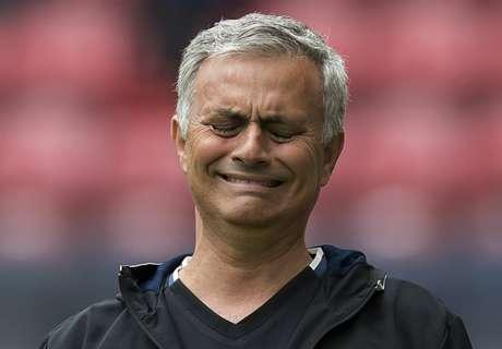 WATCH: Mou rejects Chelsea fan