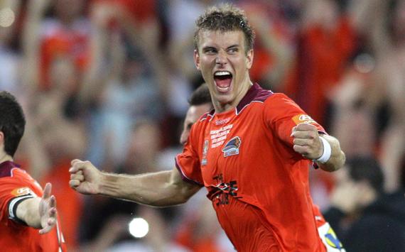 Erik Paartalu - Brisbane Roar - A-League 2011 grand final