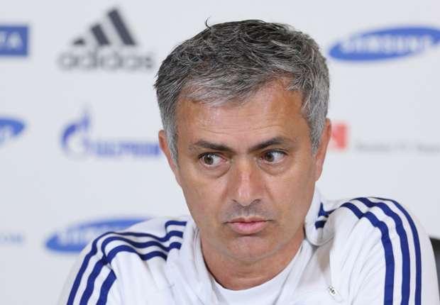 Muss lange auf seinen Co-Trainer verzichten: Jose Mourinho