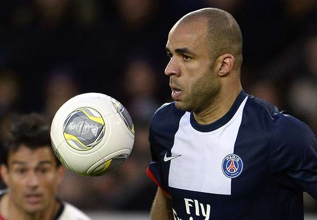 Alex completes move to AC Milan from Paris Saint-Germain