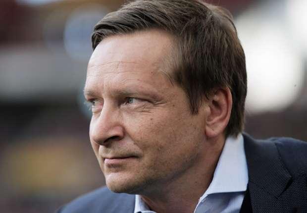 Schalke-Manager Horst Heldt lobt Choupo-Moting