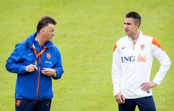 Van Persie: I'd walk on fire for Van Gaal