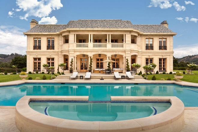 Inside Neymar's $10,000-a-night Beverly Hills Mansion