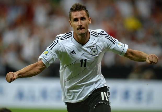 Klose breaks Muller's goals record for Germany
