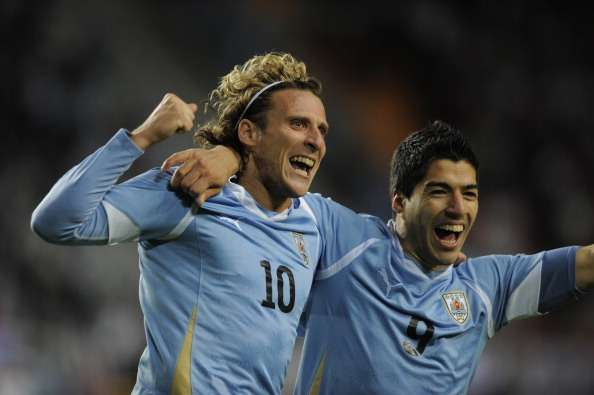 Forlan: Suarez could play for Real Madrid
