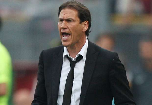 Roma must sign another defender - Garcia