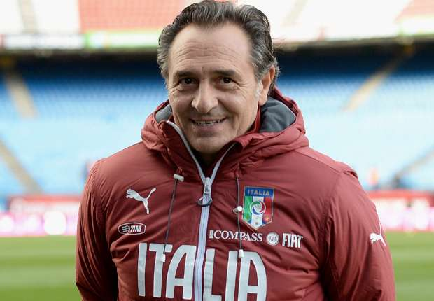 Prandelli signs two-year Italy contract extension
