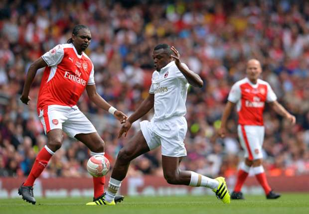 Image result for kanu scores hat trick for arsenal legends
