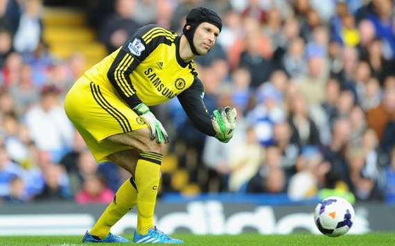 Cech: 'I'm staying at Chelsea' despite Courtois competition