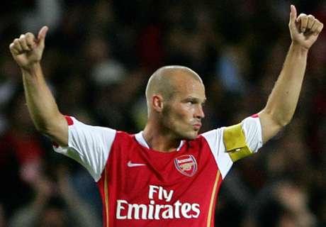 Ljungberg leaves Arsenal