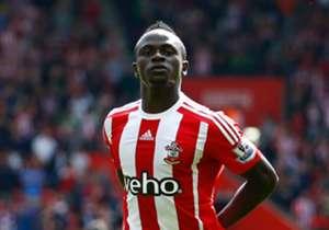 Mehr als 36 Millionen Euro überweist der FC Liverpool für Sadio Mane an den Southampton FC. Damit zählt der Senegalese zu den Top-Verpflichtung der Reds. Doch wer war noch teurer?