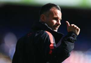 Ryan Giggs, whilst appearing on the Fantasy Football Club, has picked his ultimate Manchester United XI. Goal takes a look at the team and the Welshman's reasons for each selection...