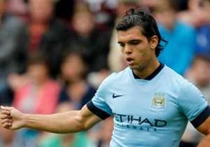 Karim Rekik, dari Manchester City ke Marseille, Nilai dirahasiakan | Pemuda 20 tahun ini hijrah ke Ligue 1 setelah hanya menorehkan dua penampilan untuk City dalam empat tahun periodenya usai ditarik dari Feyenoord.