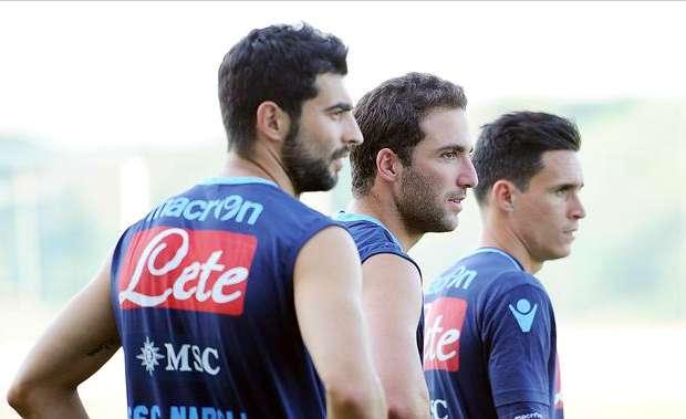 Gonzalo Higuain, Jose Callejon, Raul Albiol - Napoli