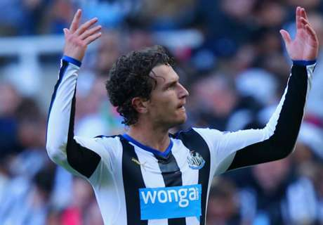 West Ham & Napoli eye Janmaat
