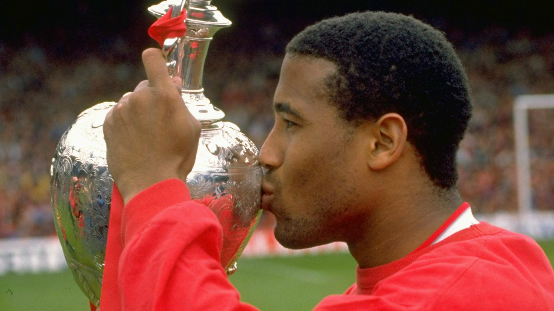 HD John Barnes Liverpool